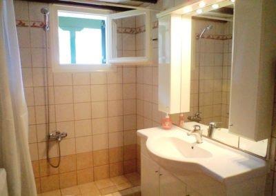 yiannis bathroom 2 web